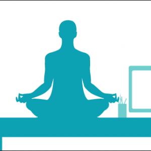 Yoga kun je doen op kantoor. Ook zittend in een stoel
